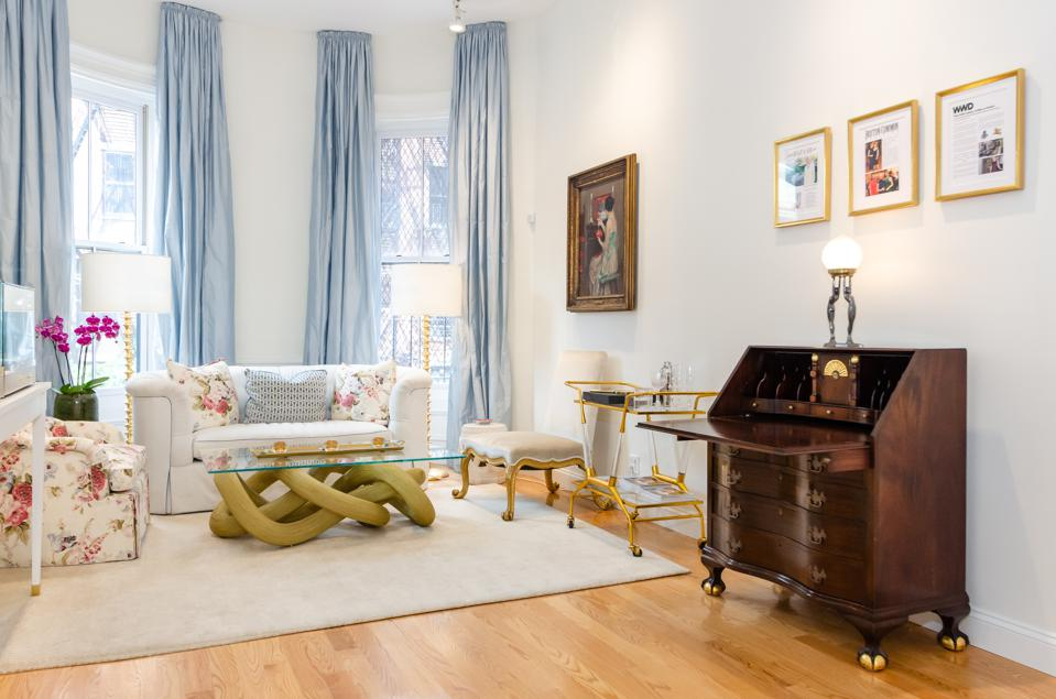 Tiina Smith Jewelry's Boston store looks like a well-appointed Beacon Hill living room.