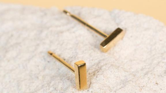 AUrate Mini Gold Bar Earring